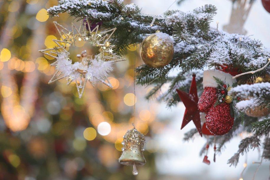 Демонтаж новогодних украшений начнется сегодня ночью