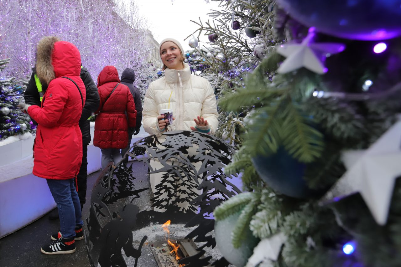 Сказочные спектакли и уроки с участием спортсменов ждут гостей «Путешествия в Рождество» 9 и 10 января