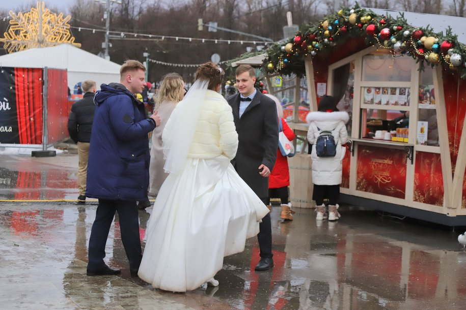 Более тысячи пар зарегистрируют браки в московских ЗАГСах в «красивую» дату — 20 февраля