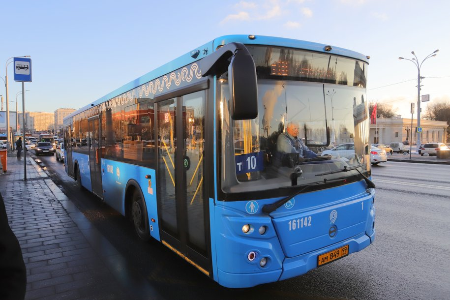 В ЦАО, САО и ЮЗАО изменилась работа наземного транспорта с 15 февраля
