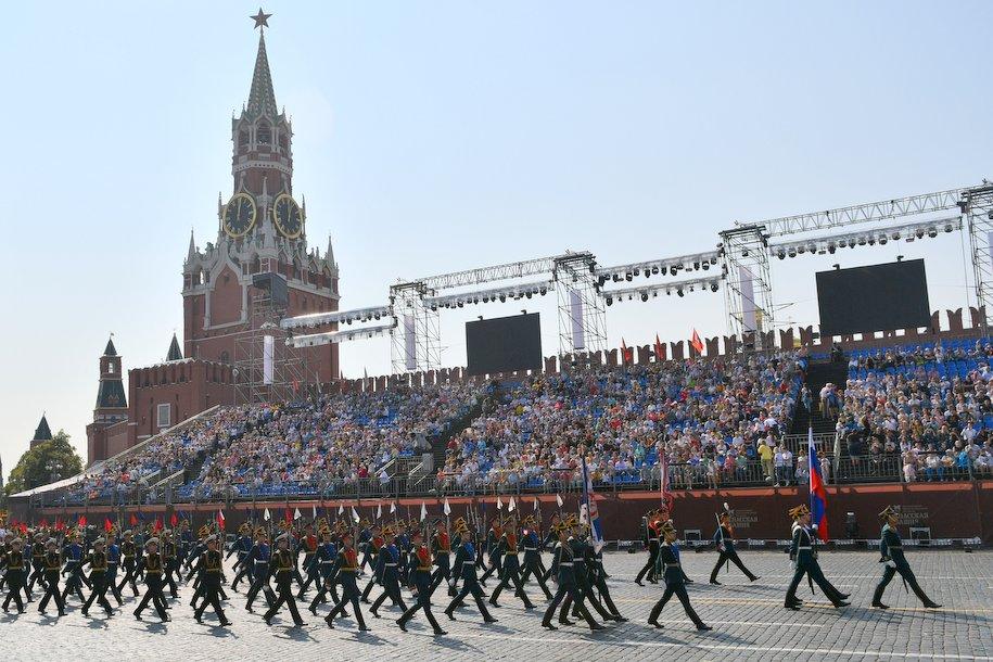 В юбилейном параде 9 мая в Москве задействуют 15 тысяч военнослужащих