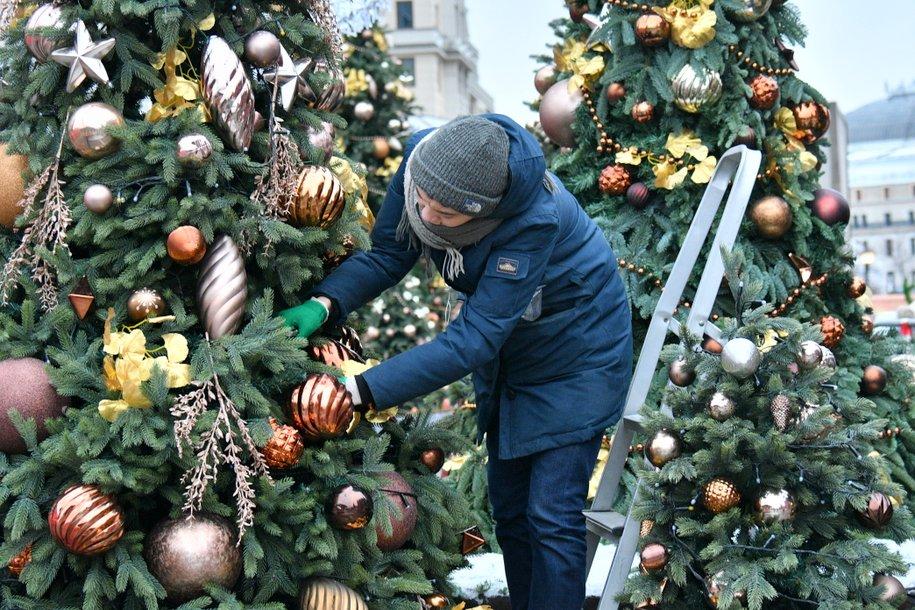 В Москве демонтировали более 80% новогодних ёлок