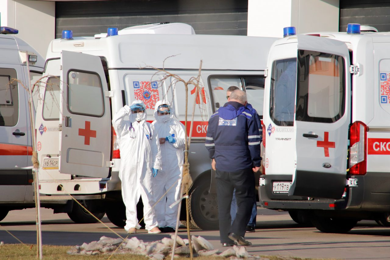 Пять пациентов выписали из больницы в Коммунарке