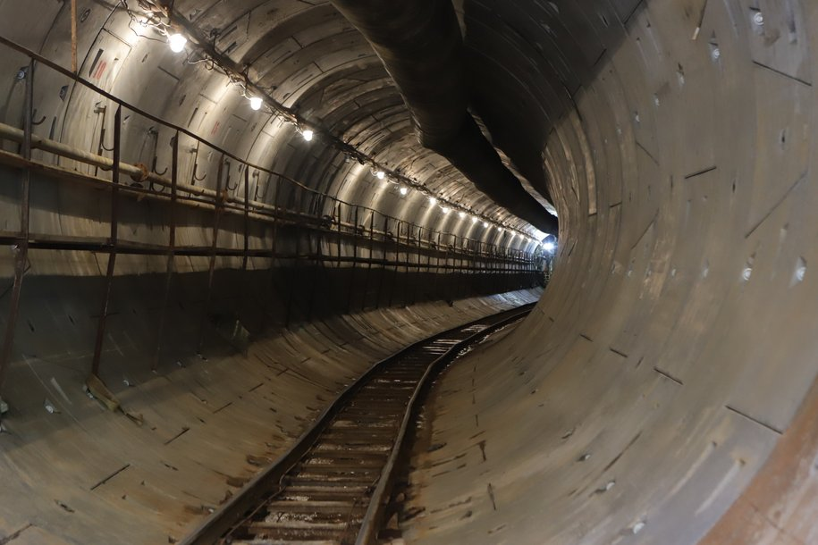 Завершилась проходка двух перегонных тоннелей за станциями «Деловой центр»