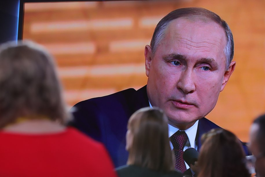 Пик эпидемии коронавируса в России еще не пройден — Владимир Путин