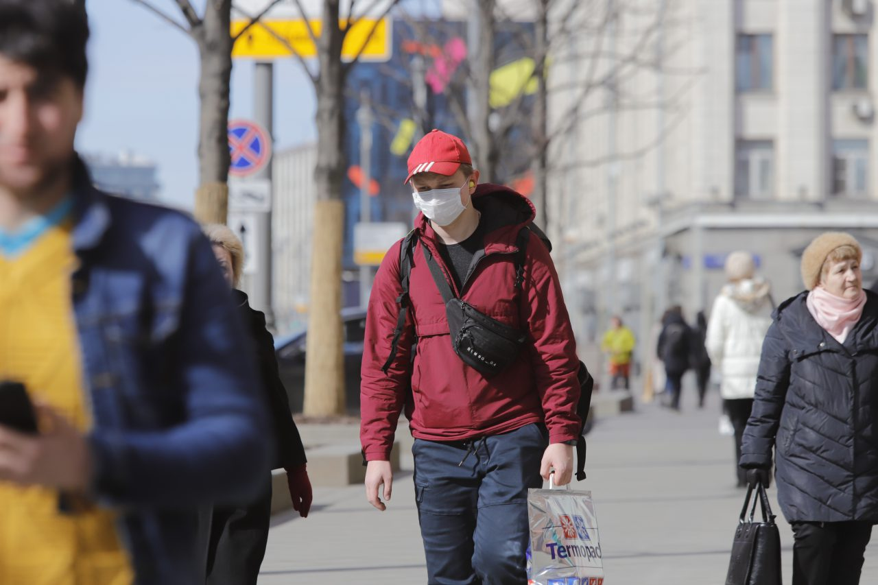 Около 100 человек в Москве проходят лечение от коронавируса на дому