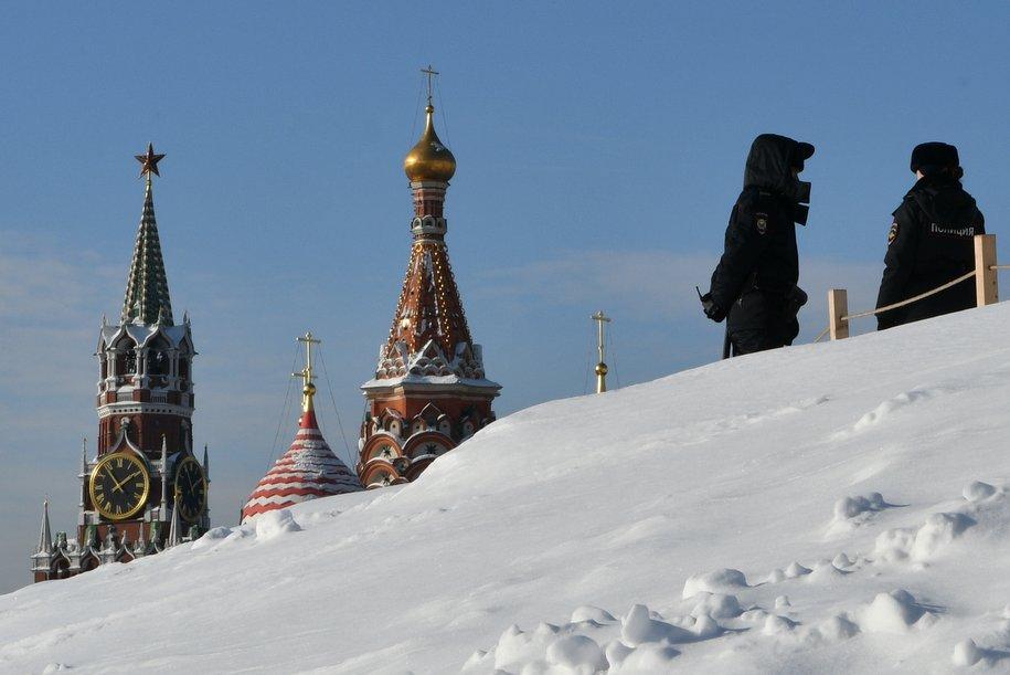 В выходные москвичей ожидает снег и похолодание