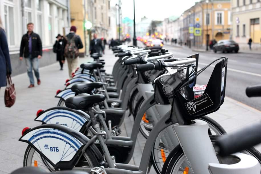 Бесплатный велопрокат для курьеров и волонтеров заработал у 10 станций МЦД