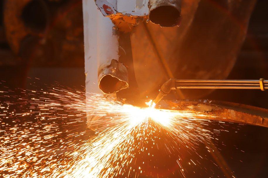 В столице возобновили работу промышленные предприятия