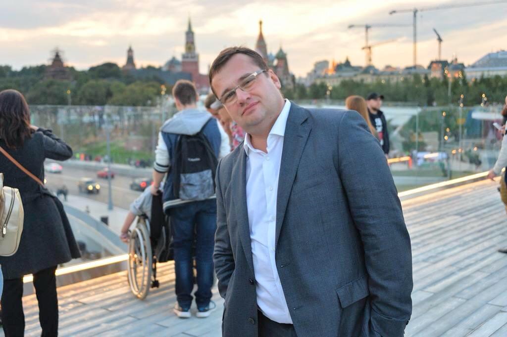 Врачи больницы в Коммунарке спасли жизнь Максиму Орлову