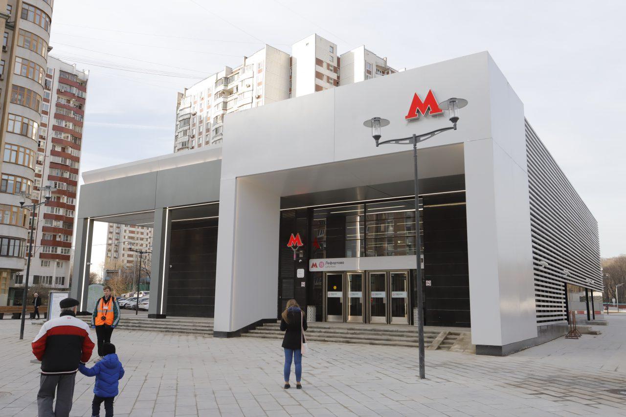 Внутренние двери в вестибюлях станций Московского метрополитена снимут до конца апреля