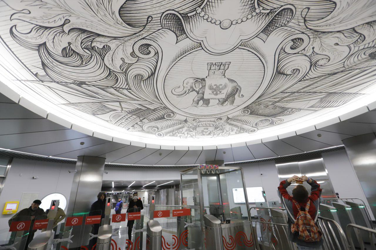 Очереди в метро из-за проверок пропусков устранены, будет переход к автоматизированному контролю — Cобянин