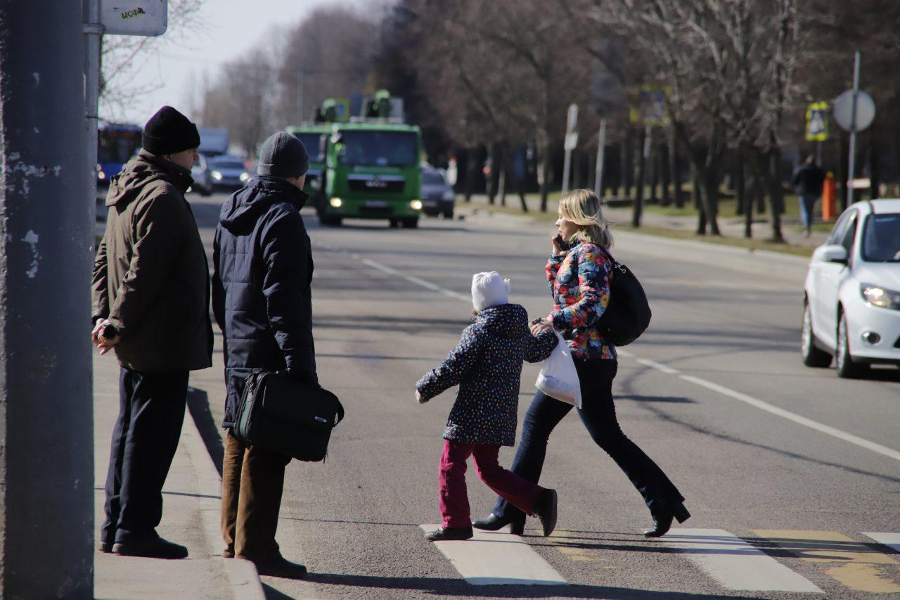 Разрешать москвичам прогулки на данный момент рискованно — Cобянин