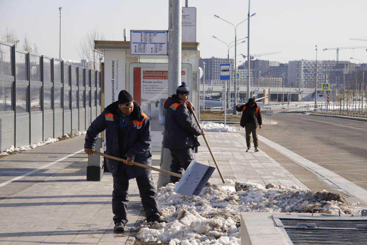 Климатолог назвал метель в апреле в Москве нормальным явлением