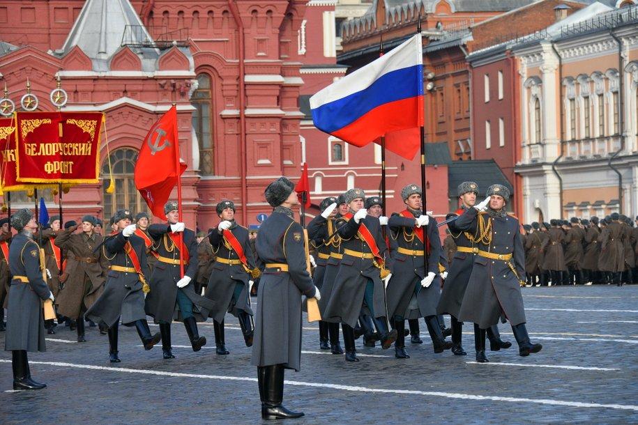 Владимир Путин поручил отложить подготовку к Параду Победы