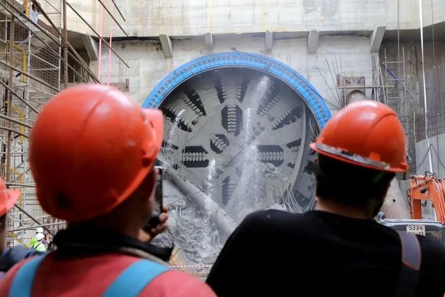 Коронавирус не остановил строительство метро в Москве