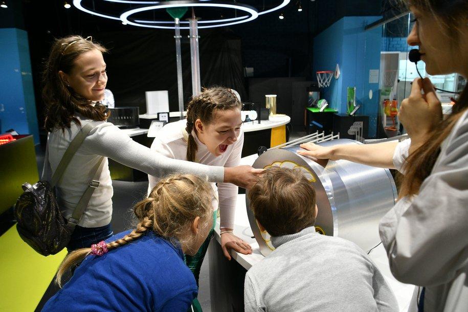 Летние программы и образовательные смены детских столичных технопарков пройдут онлайн