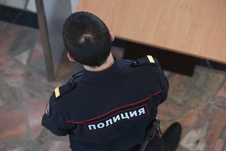 На улице Строителей неизвестный открыл стрельбу по наряду полиции