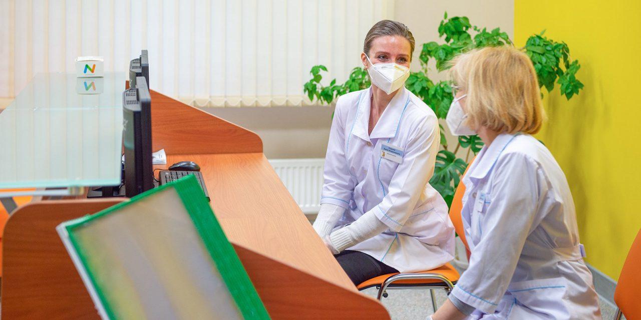 Врачи 25 поликлиник в Москве начали прием пациентов по новым адресам