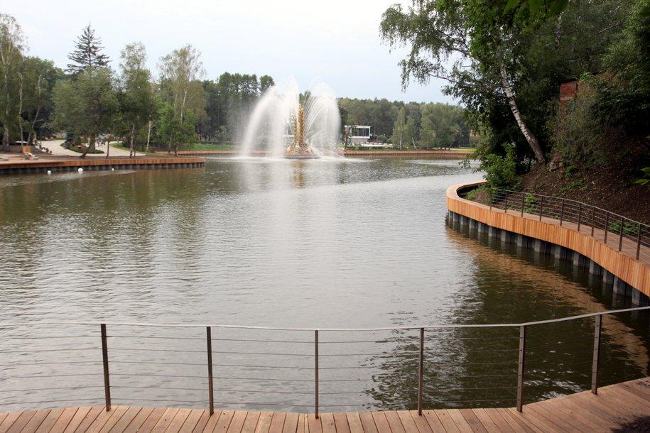 Сезон катания на лодках открыли на ВДНХ