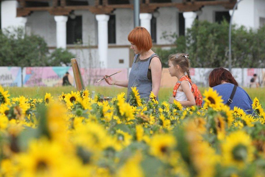Тёплая погода и кратковременные дожди ожидают москвичей в субботу