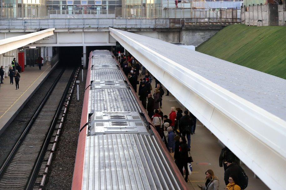 На Филёвской линии метро нет движения поездов между станциями «Багратионовская» и «Кунцевская»