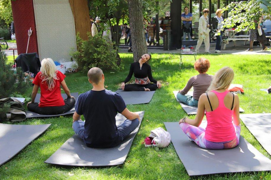 Проект «Йога в парках» возобновляет работу с 1 июля