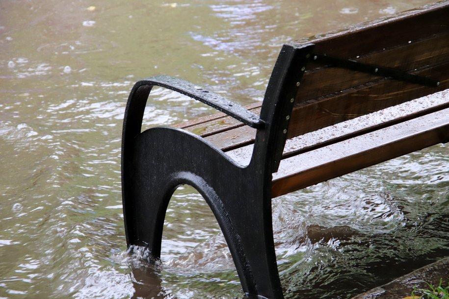 «Оранжевый» уровень опасности объявлен в Москве до вечера 20 июня из-за дождя