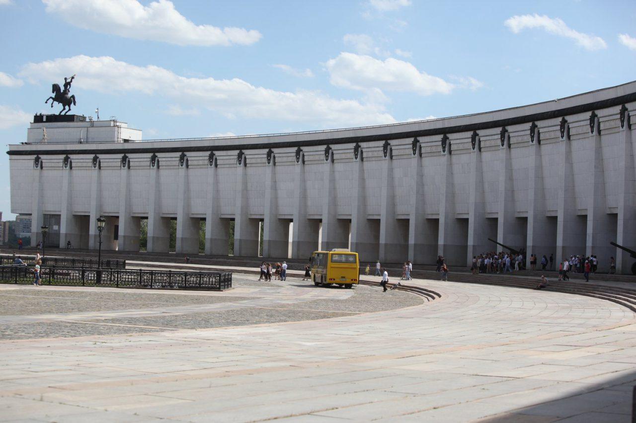 Более 200 голубей выпустят в небо у московского Музея Победы 24 июня