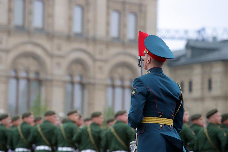 Парад в честь 75-й годовщины Победы в Великой Отечественной войне начался на Красной площади