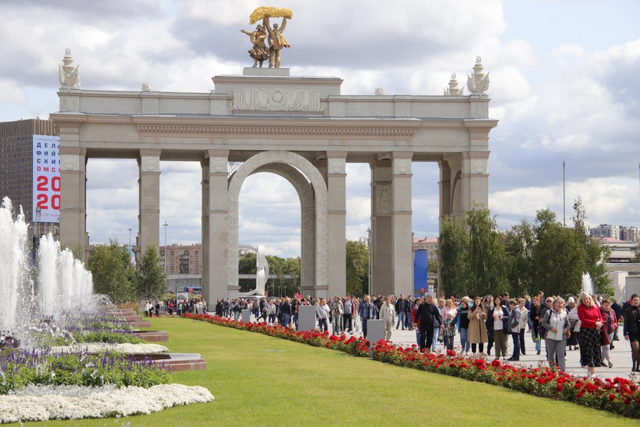 С 14 июля на ВДНХ возобновятся экскурсии в музеях и павильонах