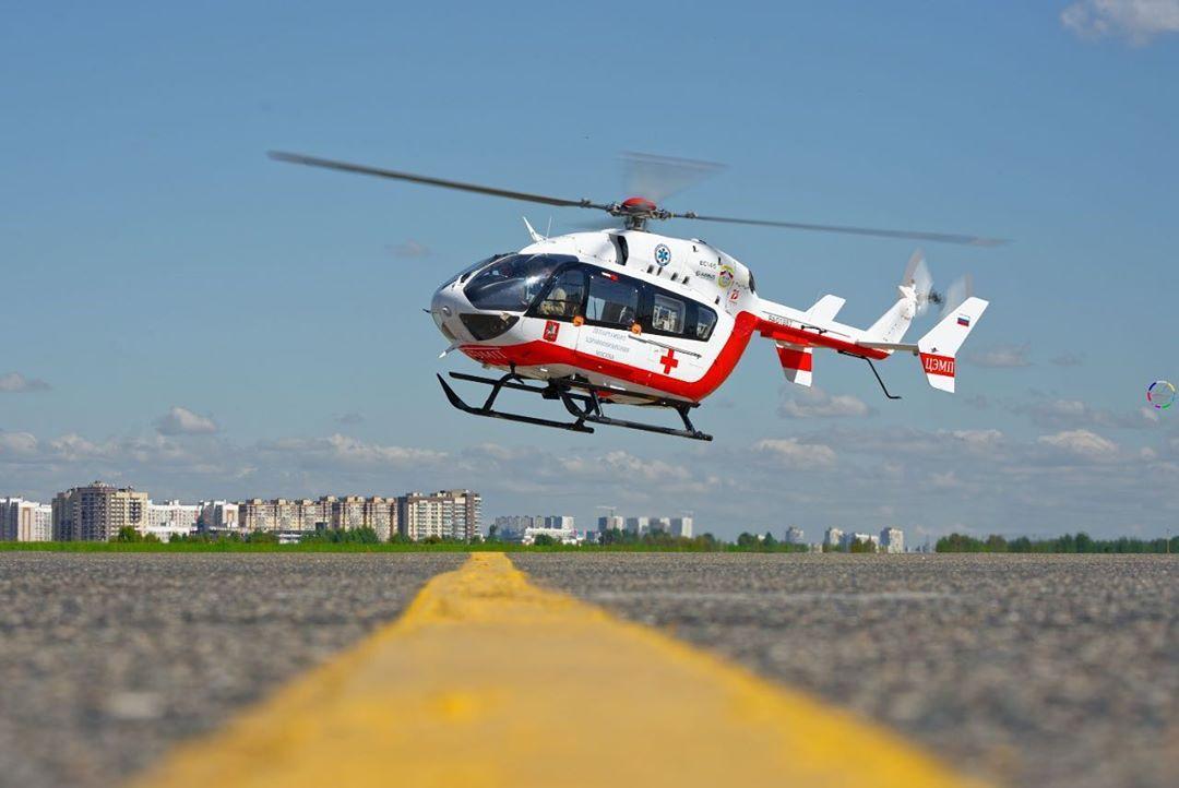 Вертолёт МАЦ эвакуировал пострадавших в ДТП на Киевском шоссе