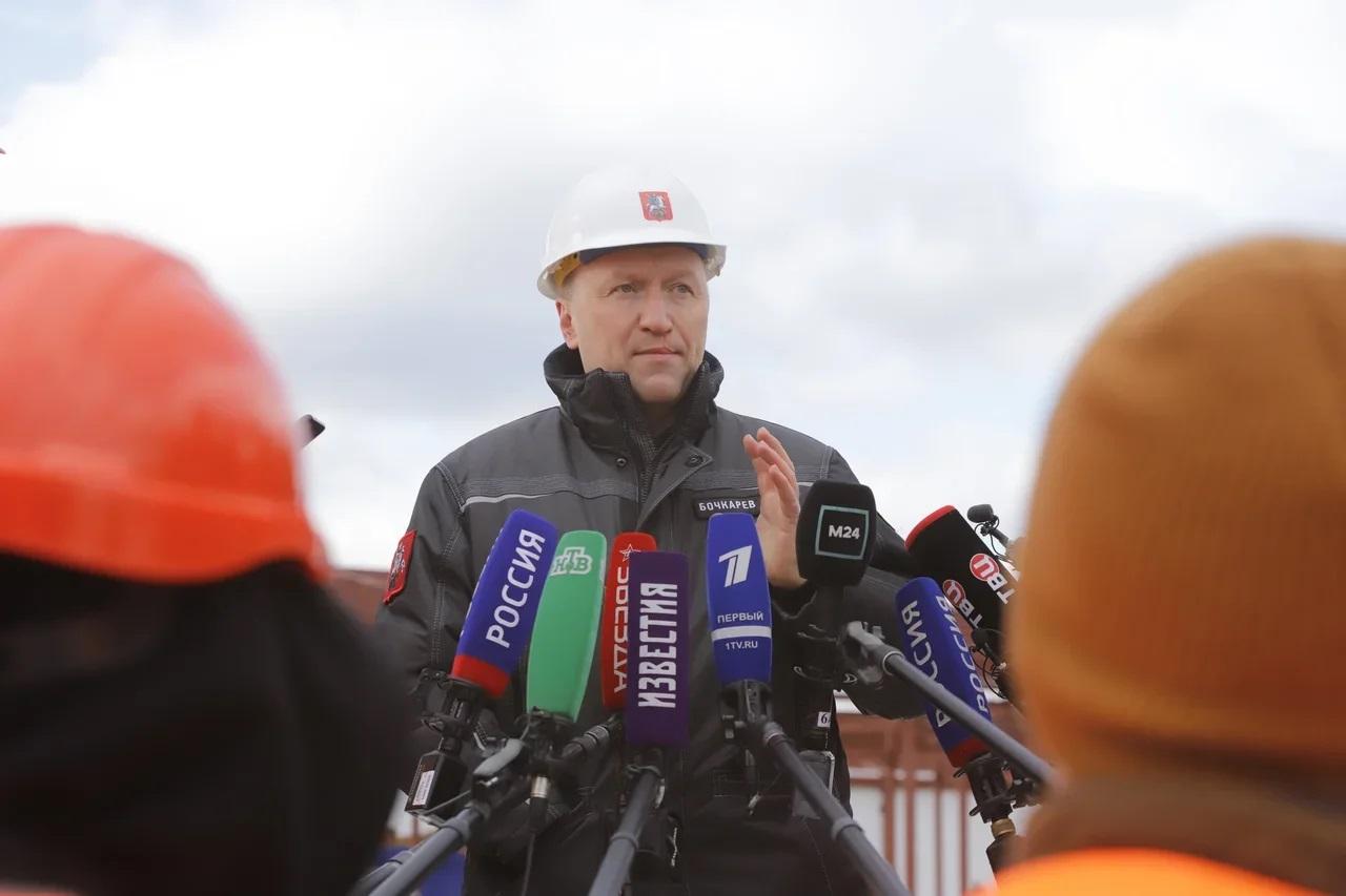 Андрей Бочкарев поздравил строителей с профессиональным праздником