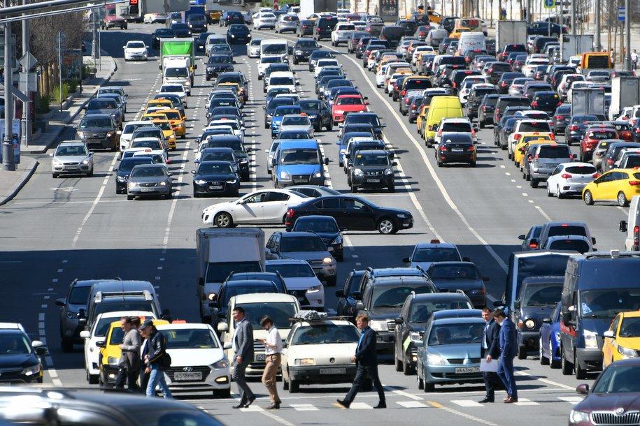 На нескольких улицах в центре Москвы ограничат автомобильное движение