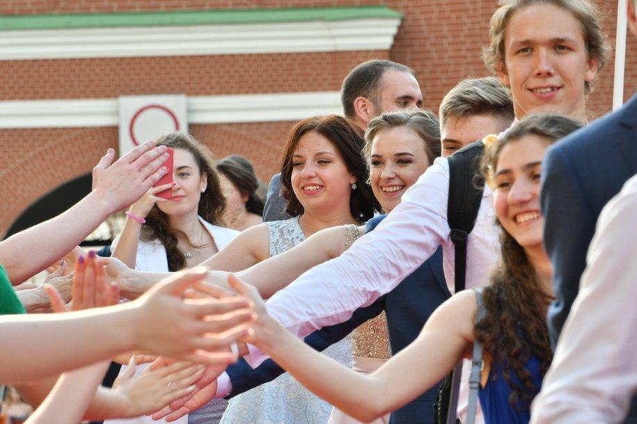 Сергей Собянин поздравил выпускников с успешной сдачей экзаменов