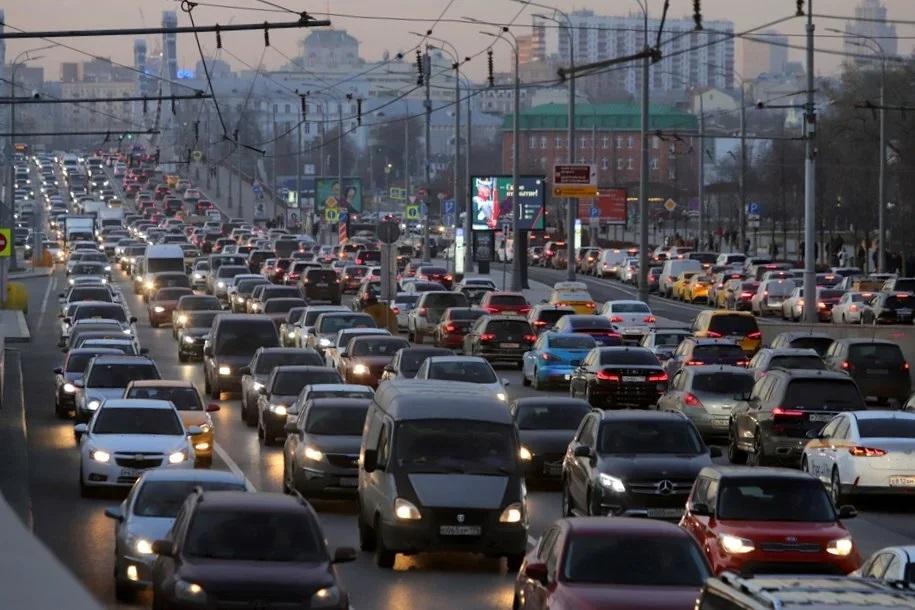 Пробки до 9 баллов ожидаются в столице вечером