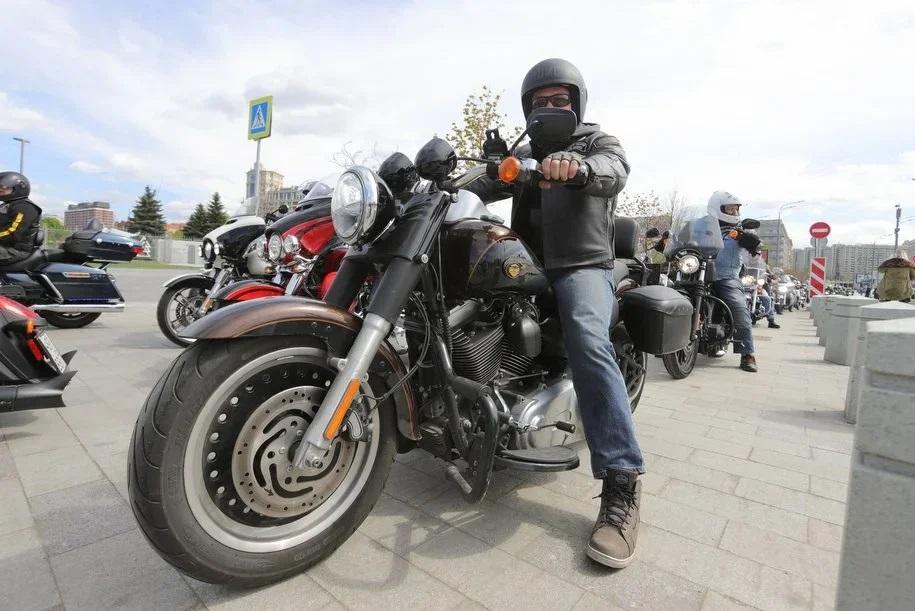 70 новых мотоциклов подарили столичному ГИБДД