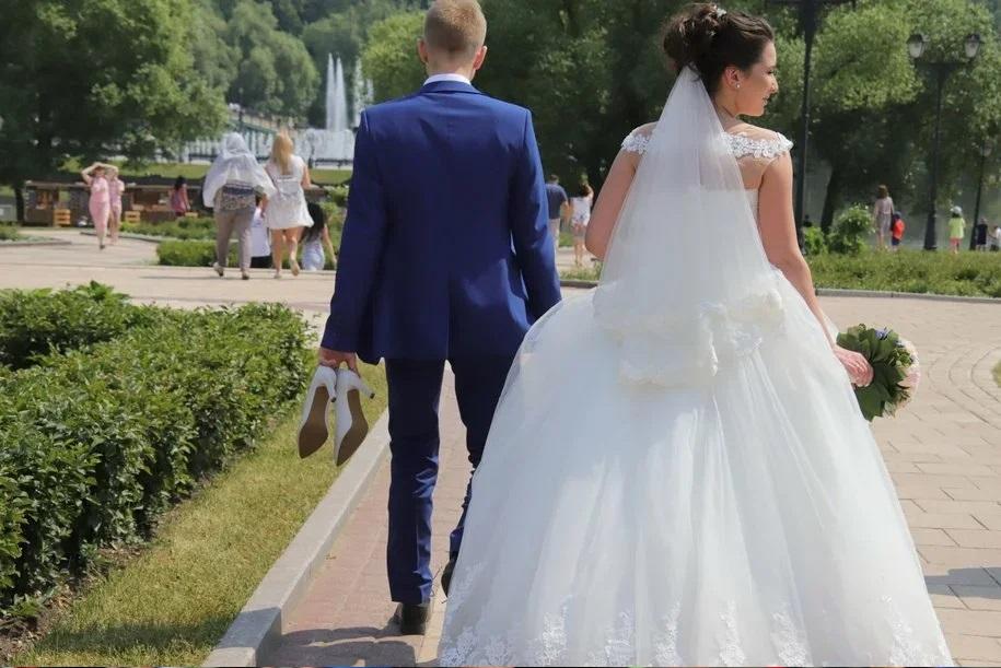 В Москве летом заключили брак более 22 тыс. пар