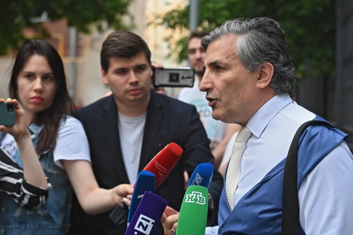 Адвокат Эльман Пашаев заявил, что срок Ефремову сократят на год-полтора
