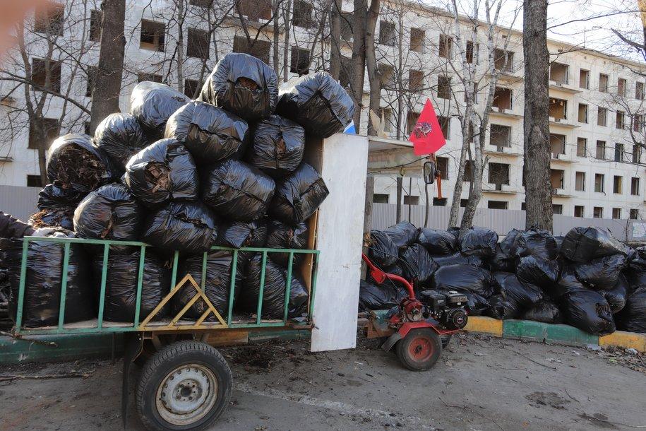 Городские службы усилят контроль за вывозом мусора