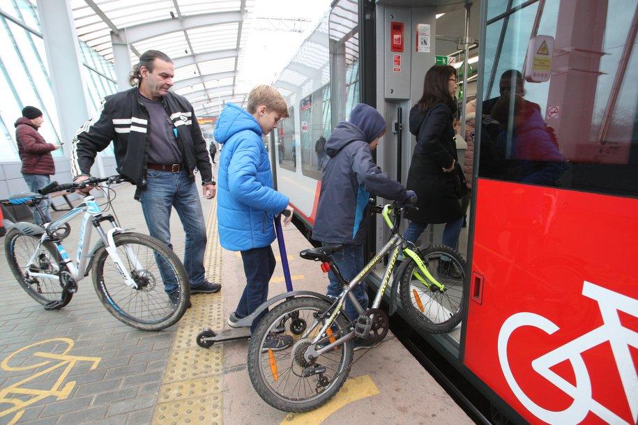 Почти 100 тысяч москвичей оштрафовали за нарушение масочного режима в транспорте