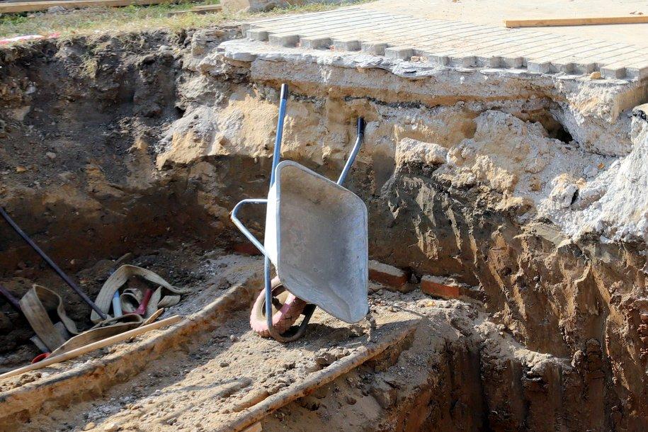 На территории исторической усадьбы «Измалково» нашли древние сооружения