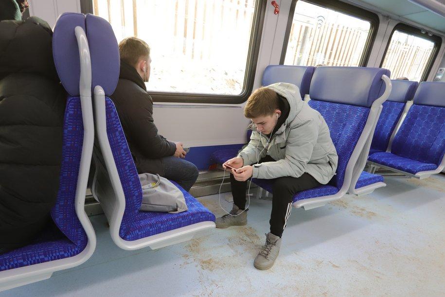 Более 60 тыс. пассажиров ежедневно пользовались МЦД во время закрытия участка синей ветки метро
