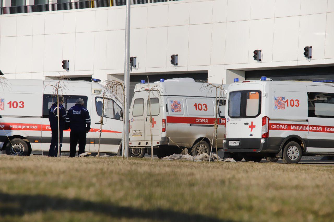 В Москве за сутки госпитализировано 896 пациентов с коронавирусом