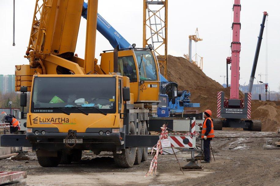 Начались работы на трех стройплощадка по трассе залегания тоннеля метро до станции «Физтех»
