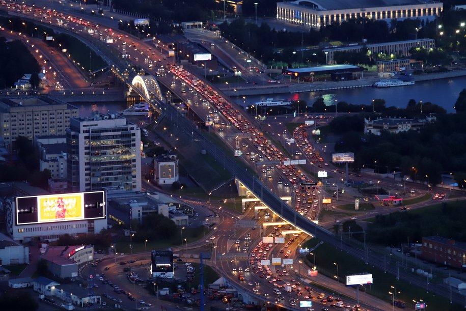 Пробки на столичных дорогах достигли 6 баллов