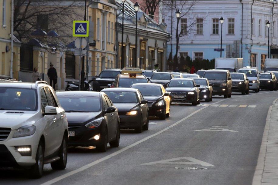 С начала года в Москве построено более 100 км дорог