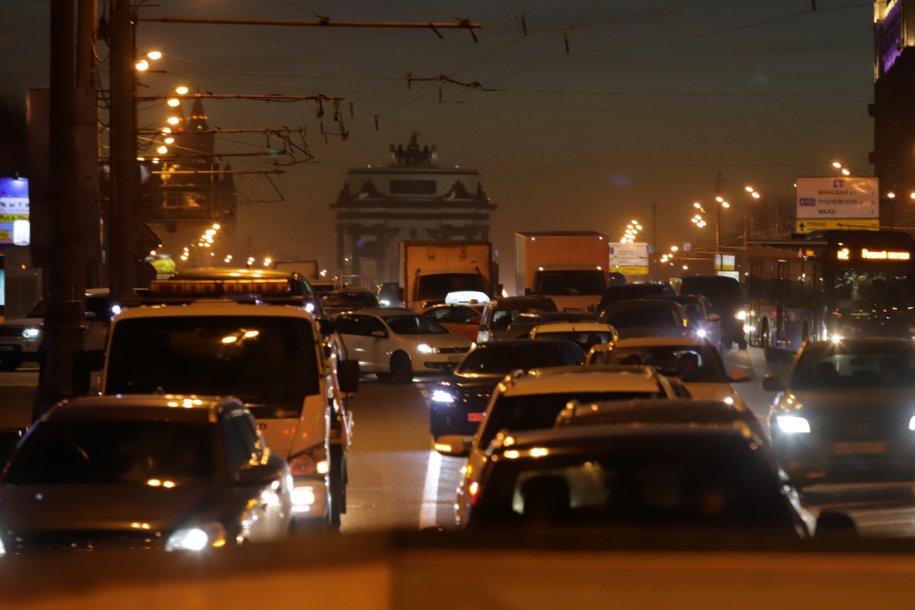 Пробки на столичных дорогах достигли 7 баллов