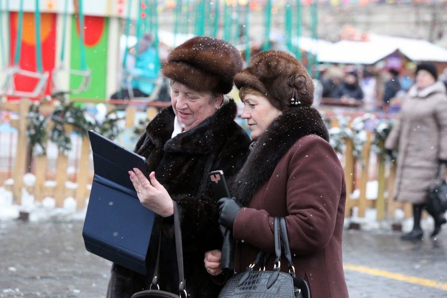 Москвичи записали свыше 500 видеопоздравлений ко Дню матери