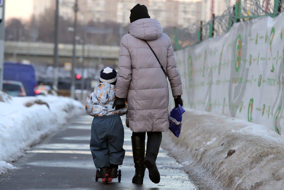 Число госпитализаций с коронавирусом в Москве две недели держится на стабильном уровне